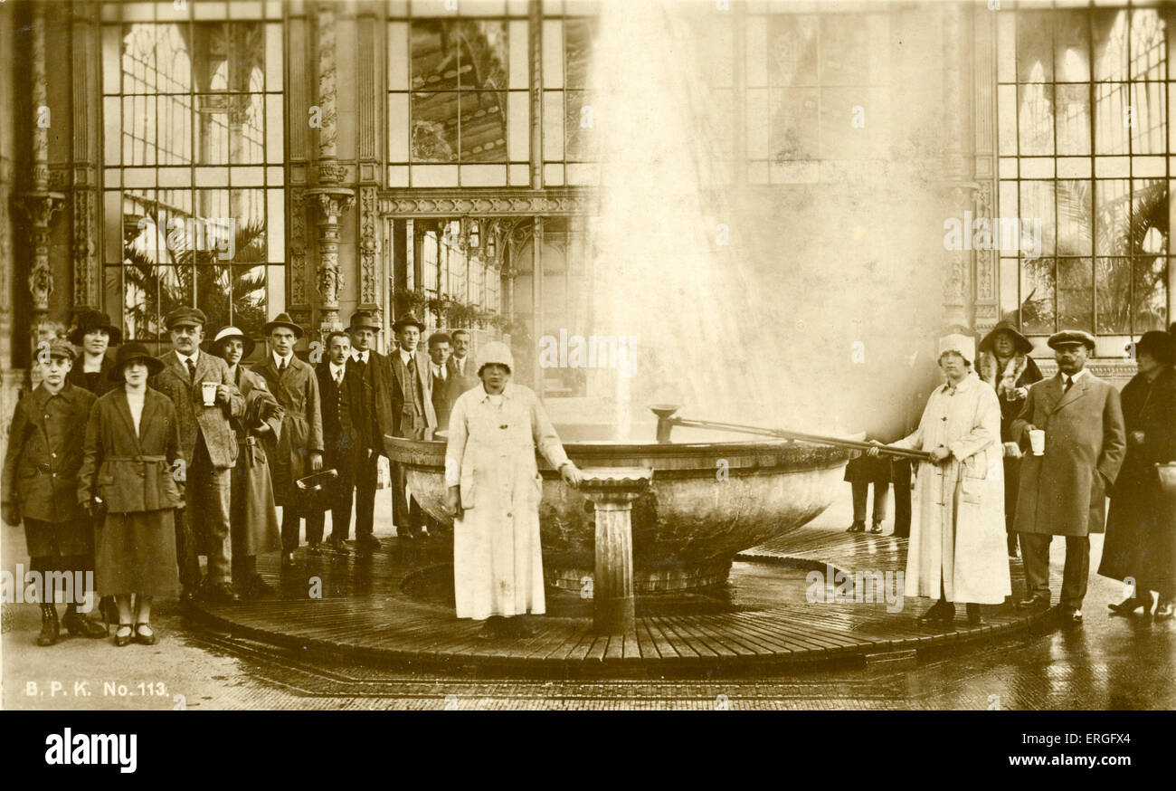 Carlsbad - spa fountain, c. 1926.  Bohemia, Austro- Hungary (modern day Czech Republic). Known as Karlovy Vary in - Stock Image