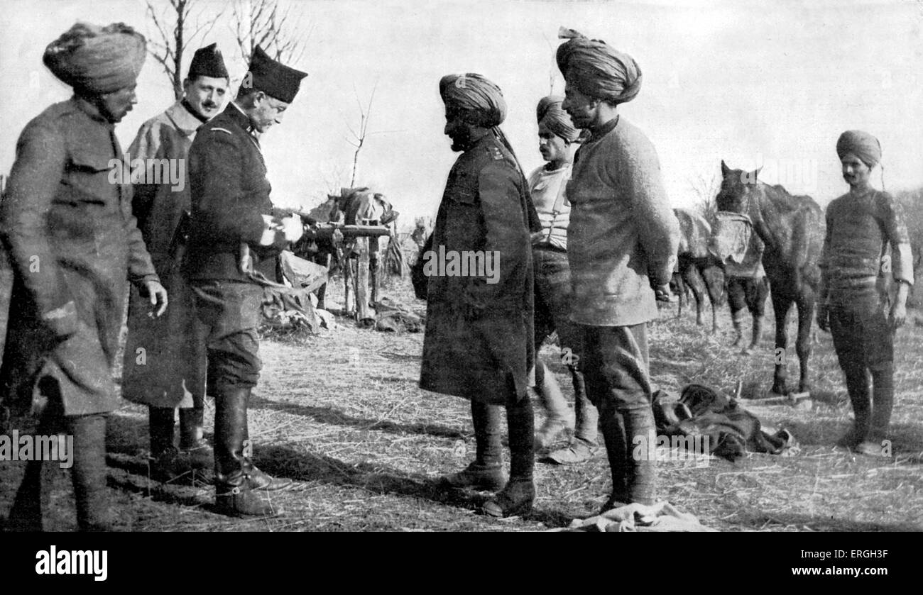 Indian Cavalry during World War 1. April 1916. French officer explaining the carbine (rifle) to Indian soldiers. - Stock Image