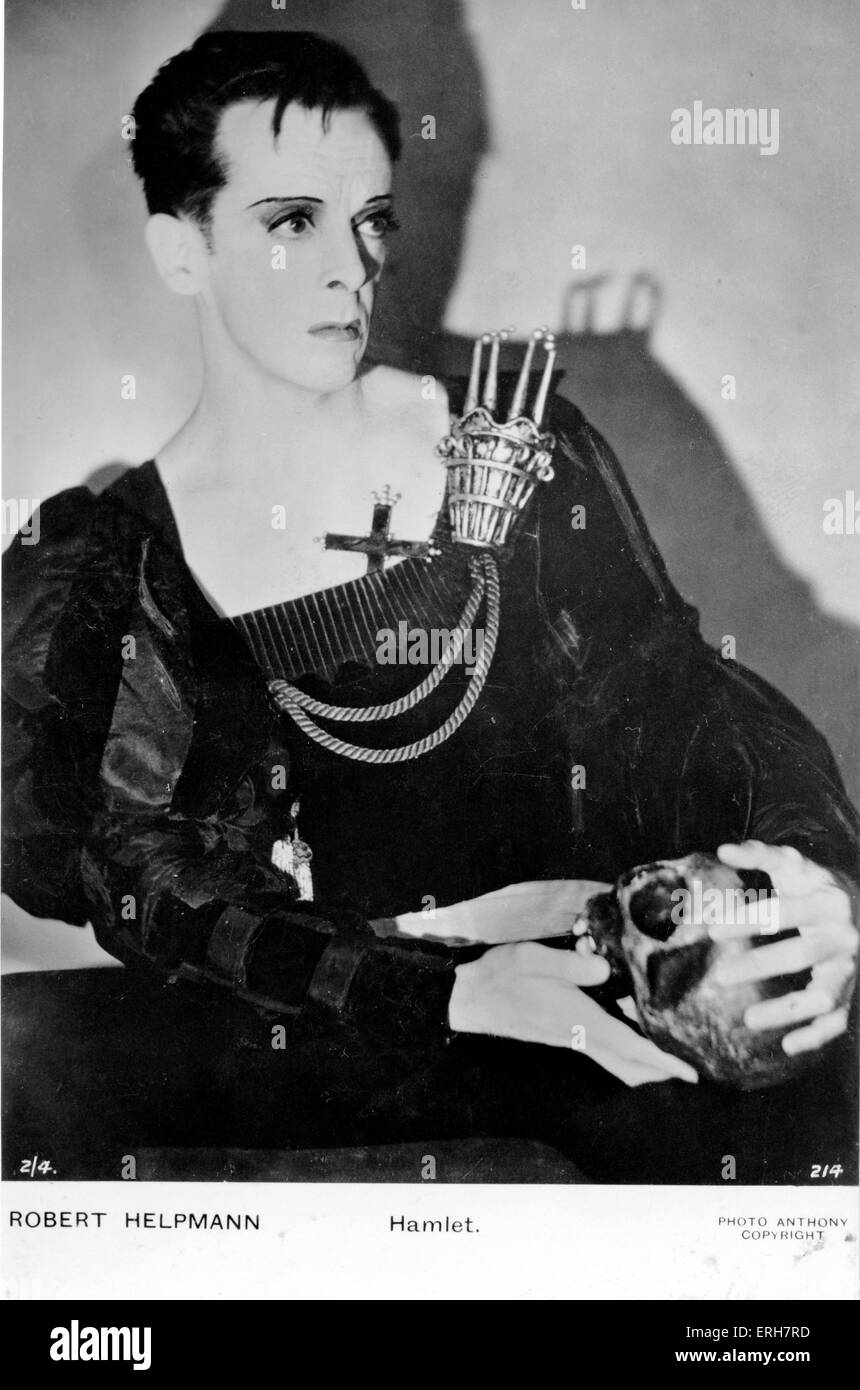 William Shakespeare - Hamlet with skull. Robert Helpmann (9 April 1909 – 28 September 1986) in title role in 1948. - Stock Image