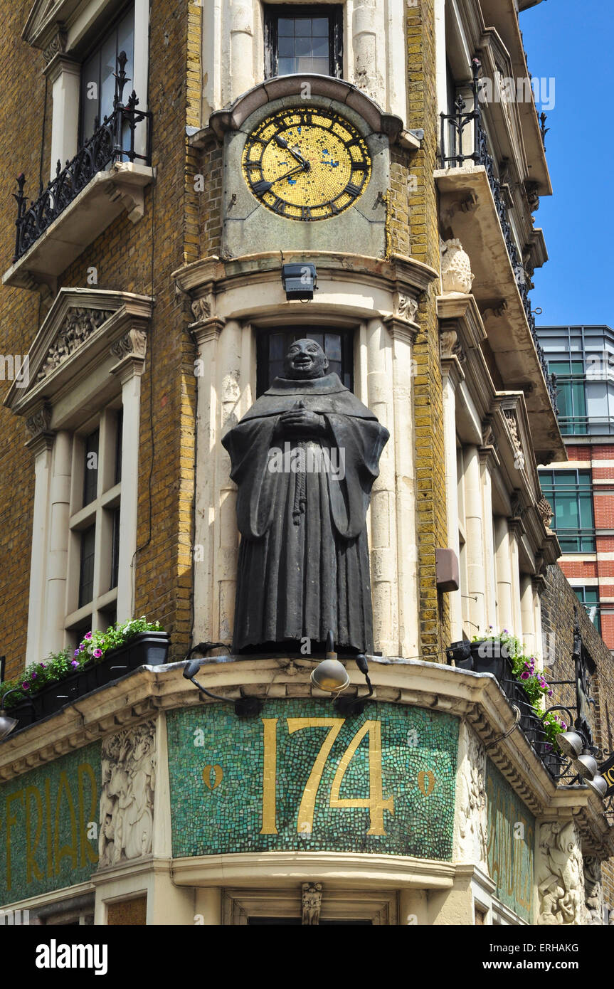 Black Friar statue on Blackfriars Public House, Blackfriars, London, England, UK Stock Photo