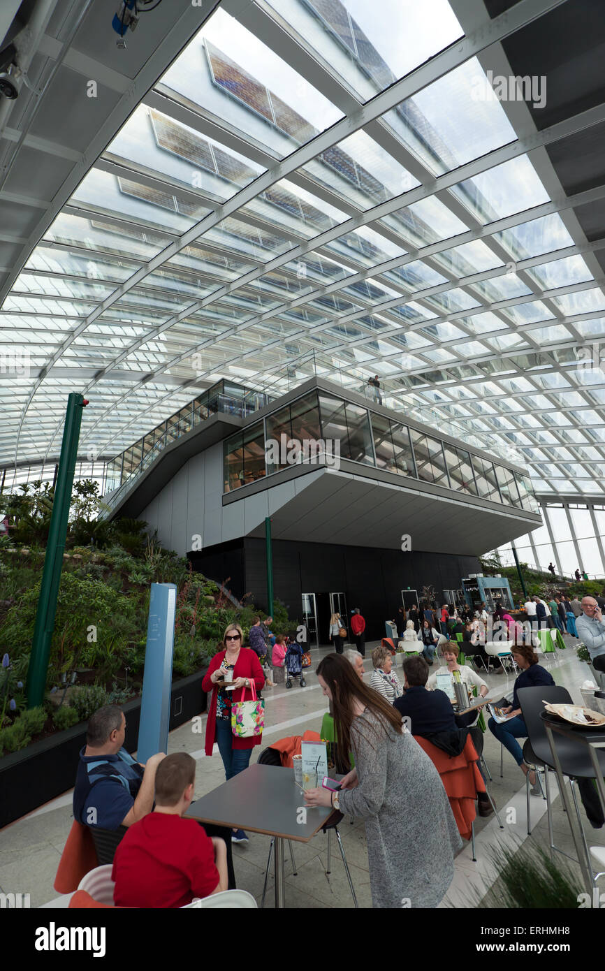 Wide-angle view of the Sky Garden, lookng up at the  Darwin Brasserie, Fenchurch  and the Sky Pod Bar at 20 Fenchurch - Stock Image