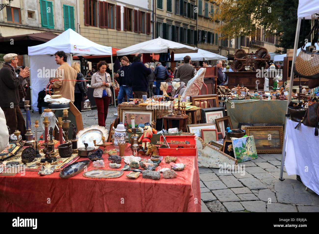 Florence antique street market,  Santo Spirito Flea Market, Mercatino Antiquario Fiorentino - Stock Image