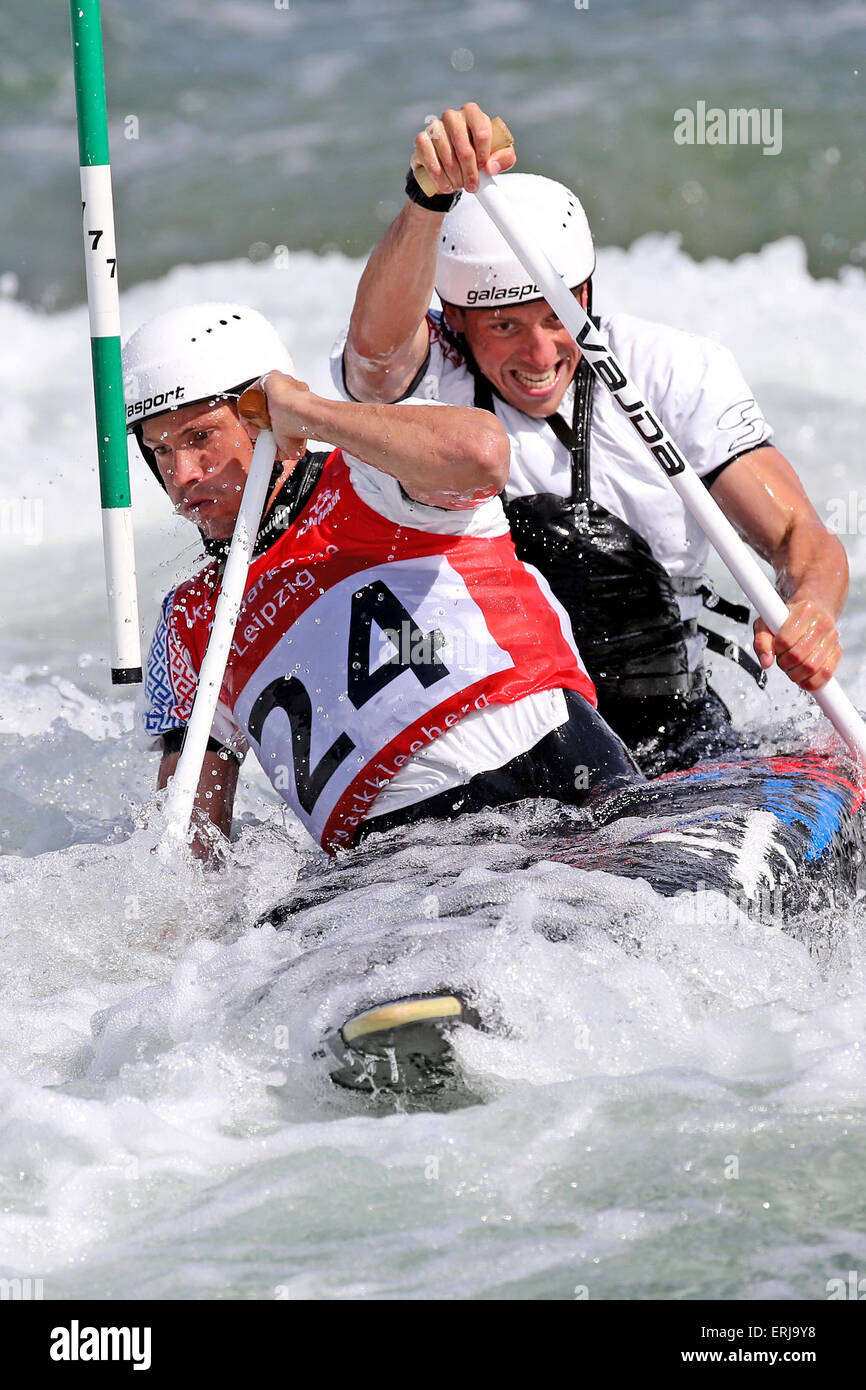 Markkleeberg, Germany. 31st May, 2015. Maxim Obraztsov (front) and Alexei Suslov of Russia in action during the - Stock Image