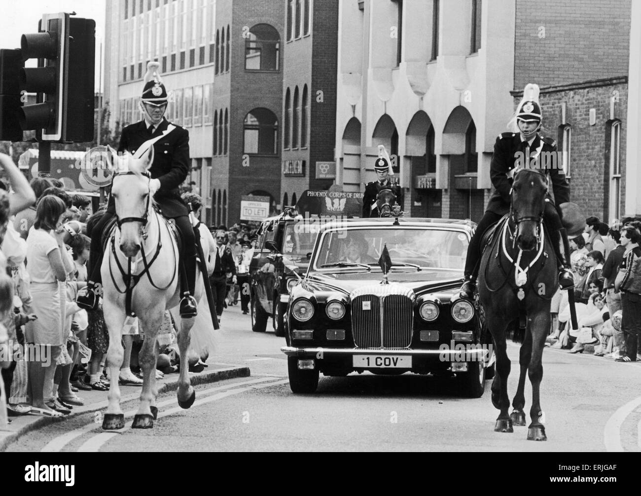 mounted policemen escort the Lord Mayors car at the head of the 1985 Coventry carnival. 15th June 1985 - Stock Image