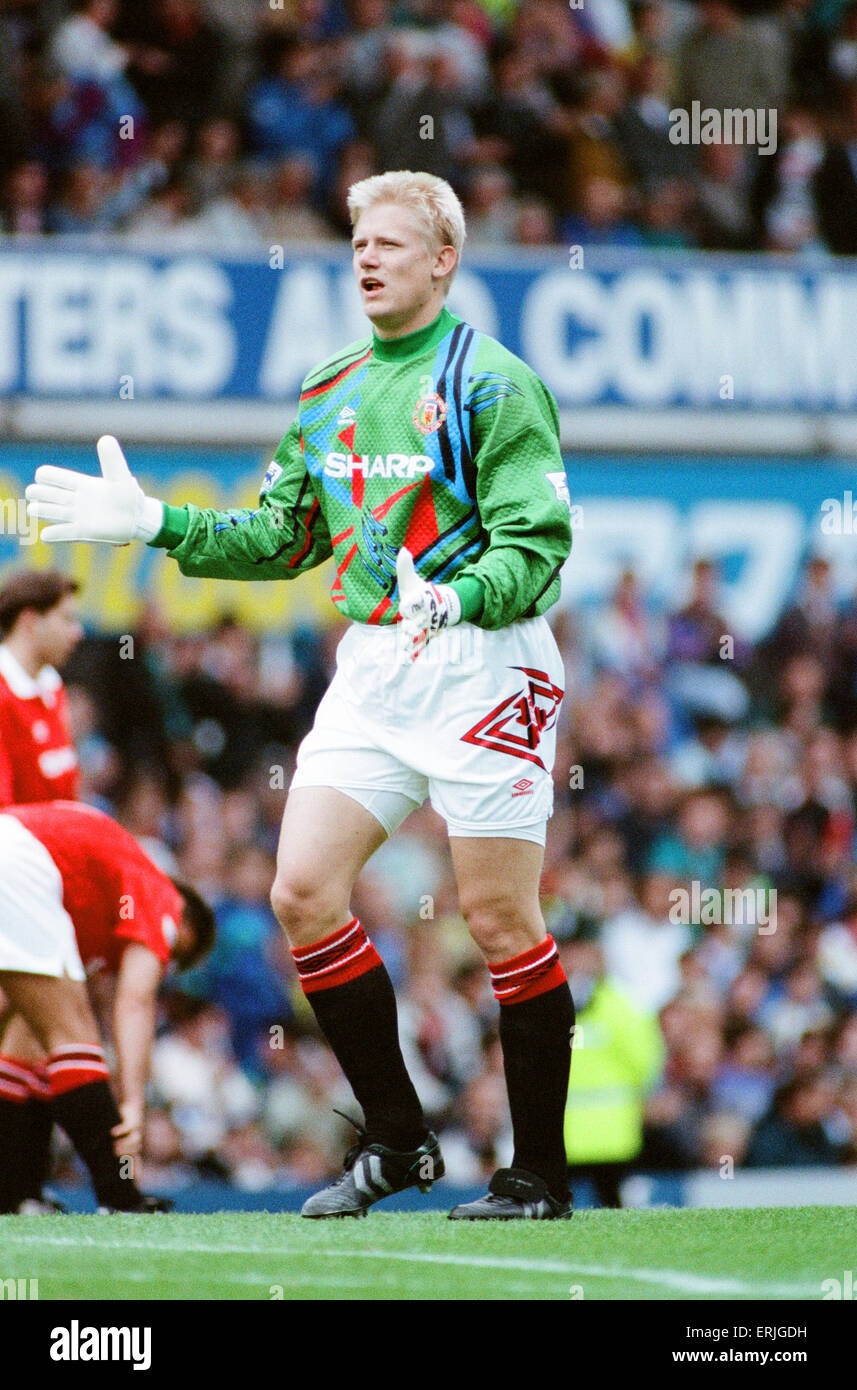 Everton 0-2 Manchester United, league match at Goodison Park, Saturday 12th September 1992. Peter Schmeichel Stock Photo