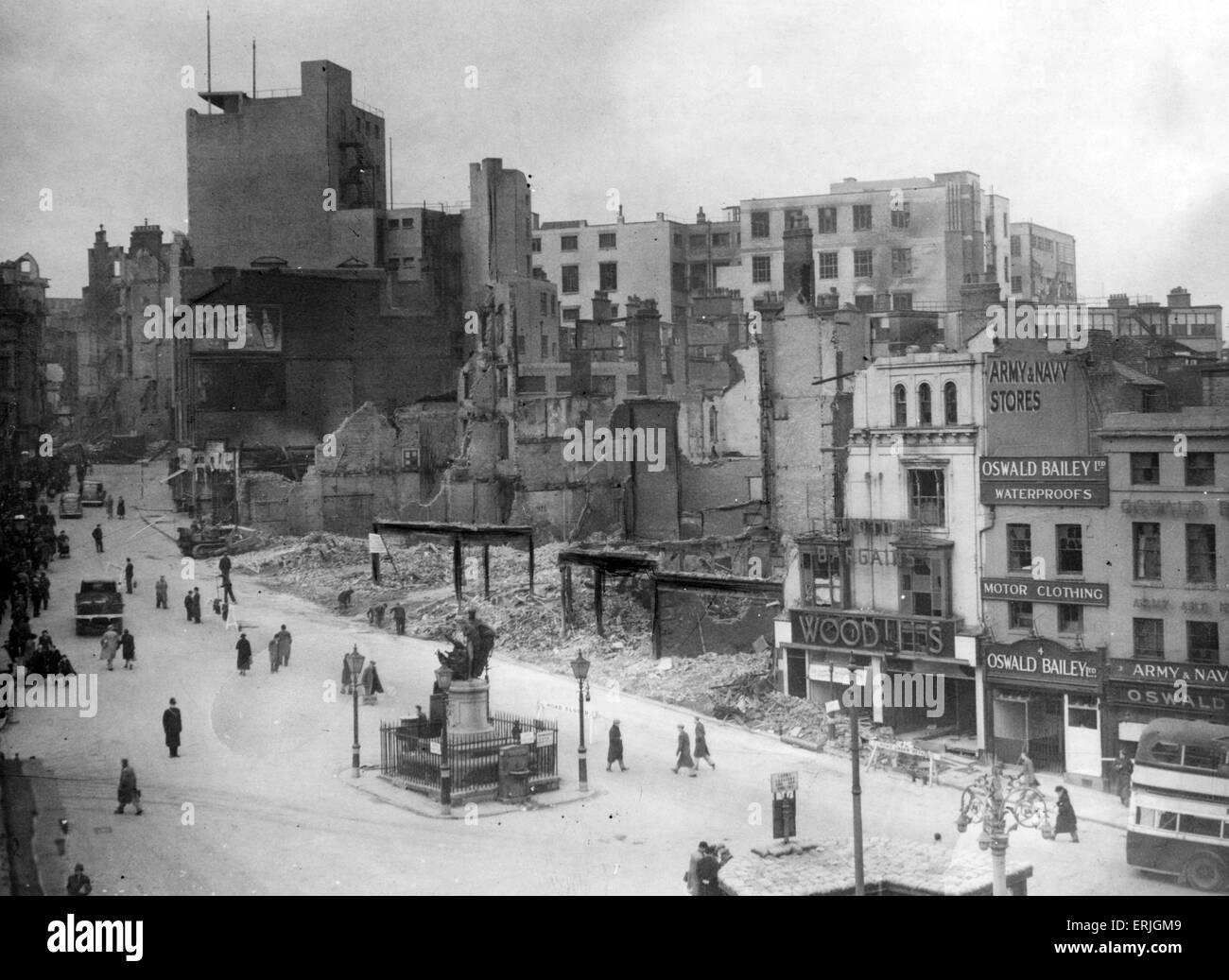 World War Two Air Raids, Birmingham, 10th April 1940. Bull Ring, Birmingham after heavy raid. - Stock Image