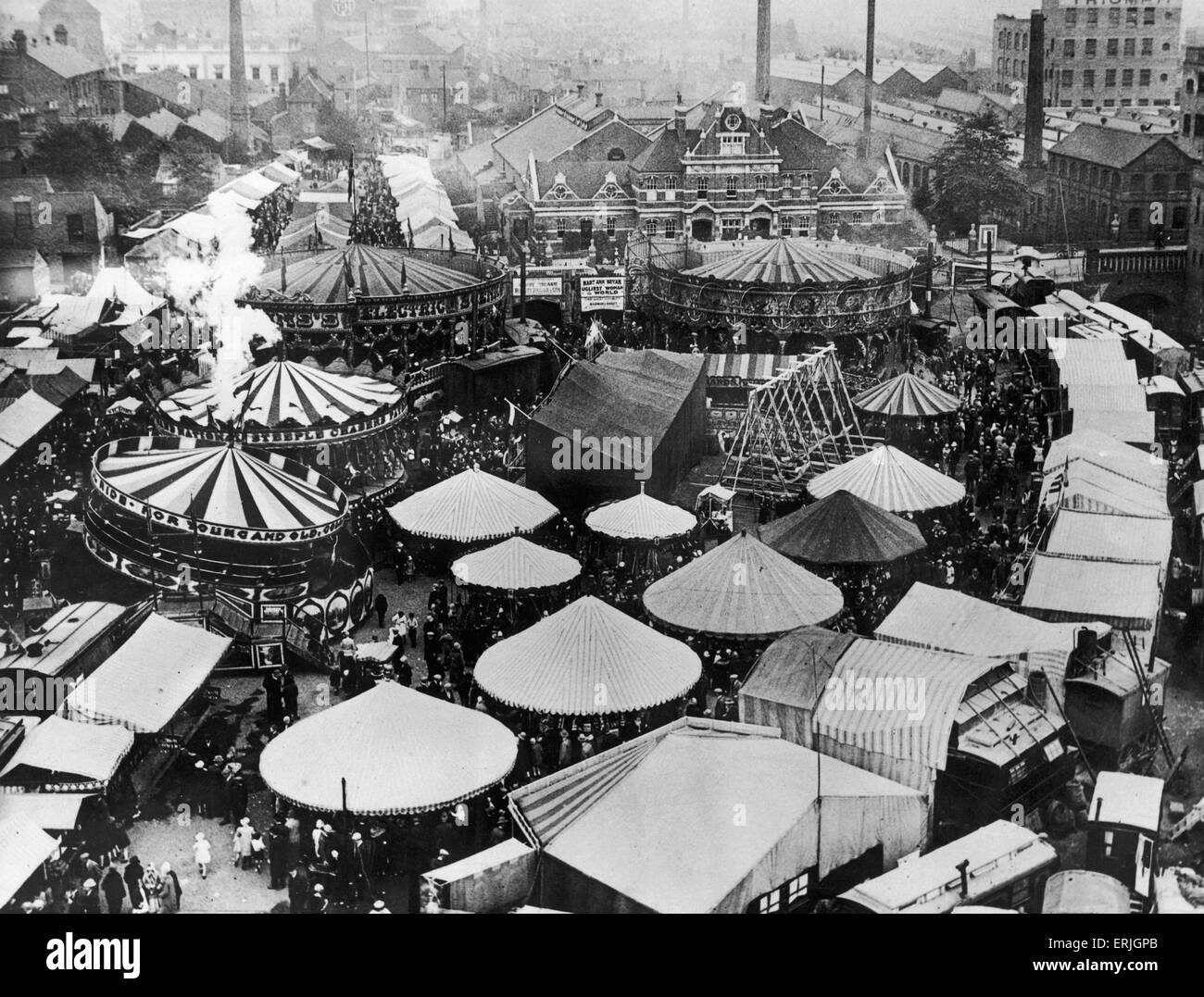 The Great Fair at Pool Meadow, Coventry. Circa 1920 - Stock Image