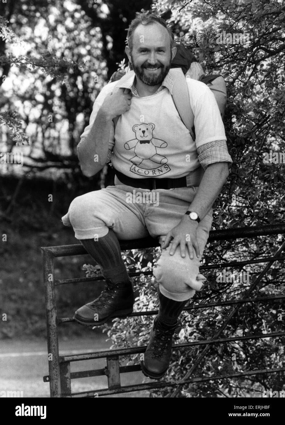 John Pratt, walked 40 miles in the Cotswolds Marathon in February 1990, in memory of Quinton Scout leader Jim Hollis, - Stock Image