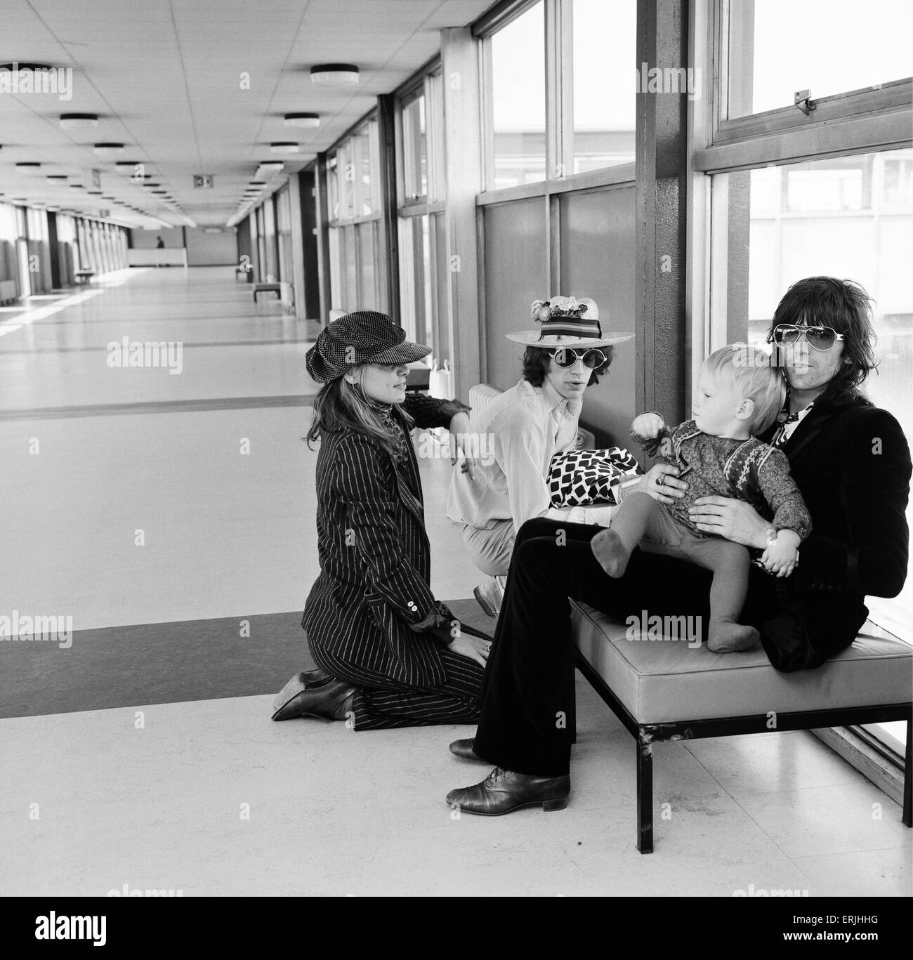 Rolling Stones guitarist Keith Richards with Anita Pallenberg and their son Marlon at Heathrow Airport, accompanied - Stock Image