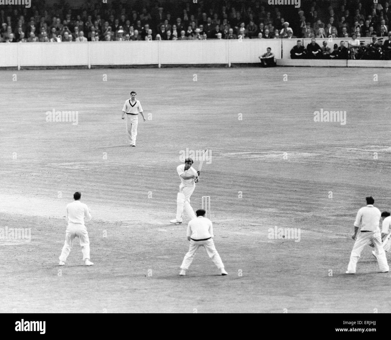 England v Australia Fifth Test match at the Oval for the Ashes. England batsman Denis Compton hits the winning runs - Stock Image