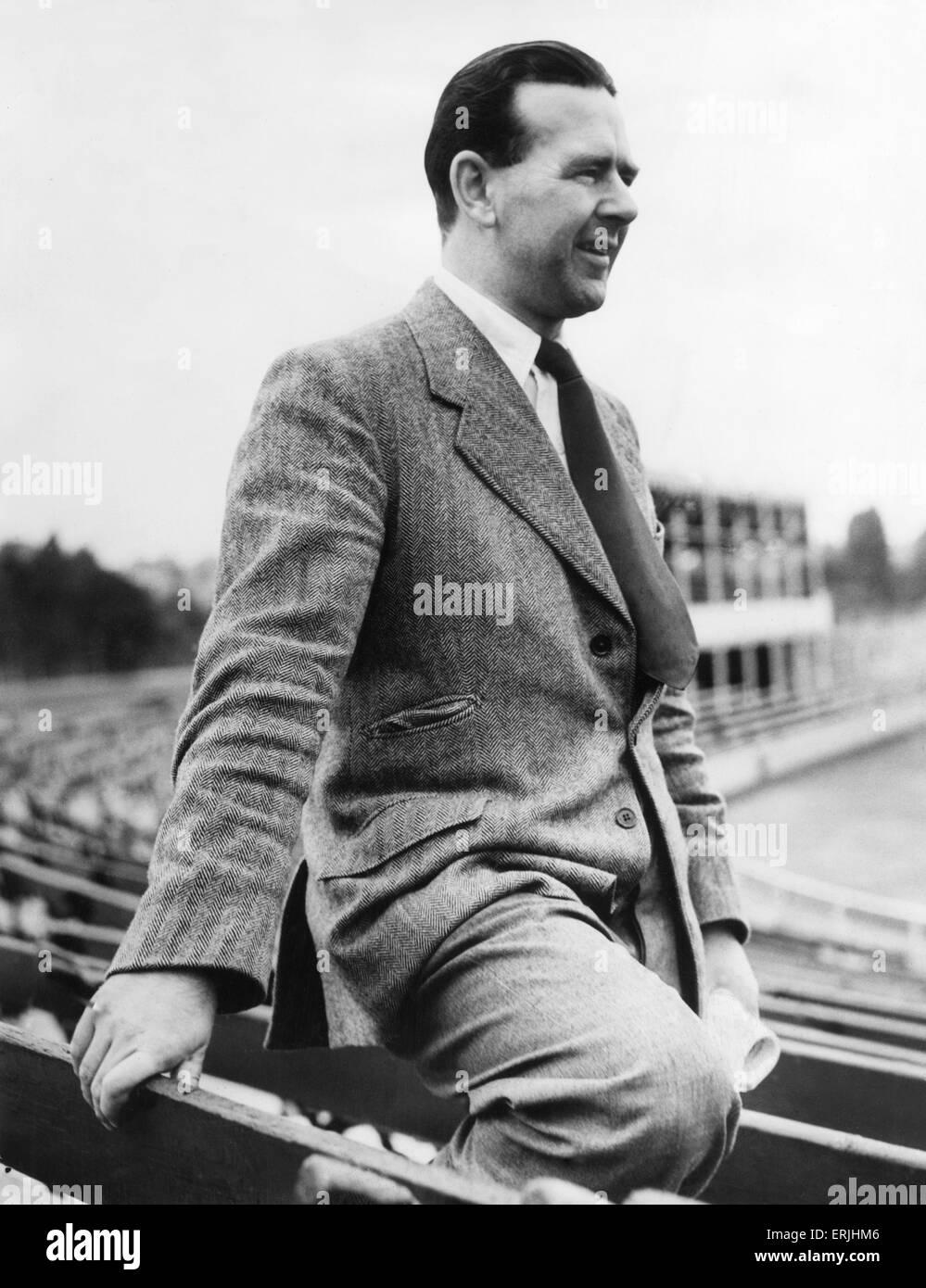 Warwickshire County Cricket Club secretary Leslie Deakins. August 1951. - Stock Image