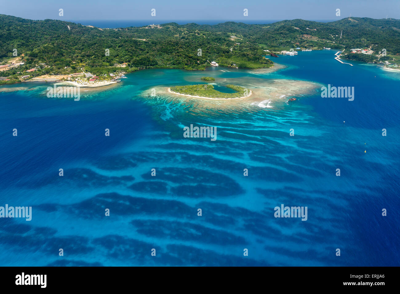 Aerial image of the coral reef off the shore of Roatan Island in Honduras, Caribbean Sea - Stock Image