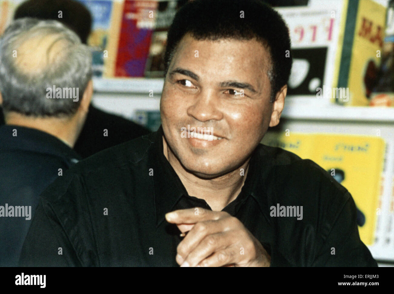 Muhammad Ali at W.H Smith's in London to promote his new book A Thirty Year Journey. 15th November 1993 - Stock Image