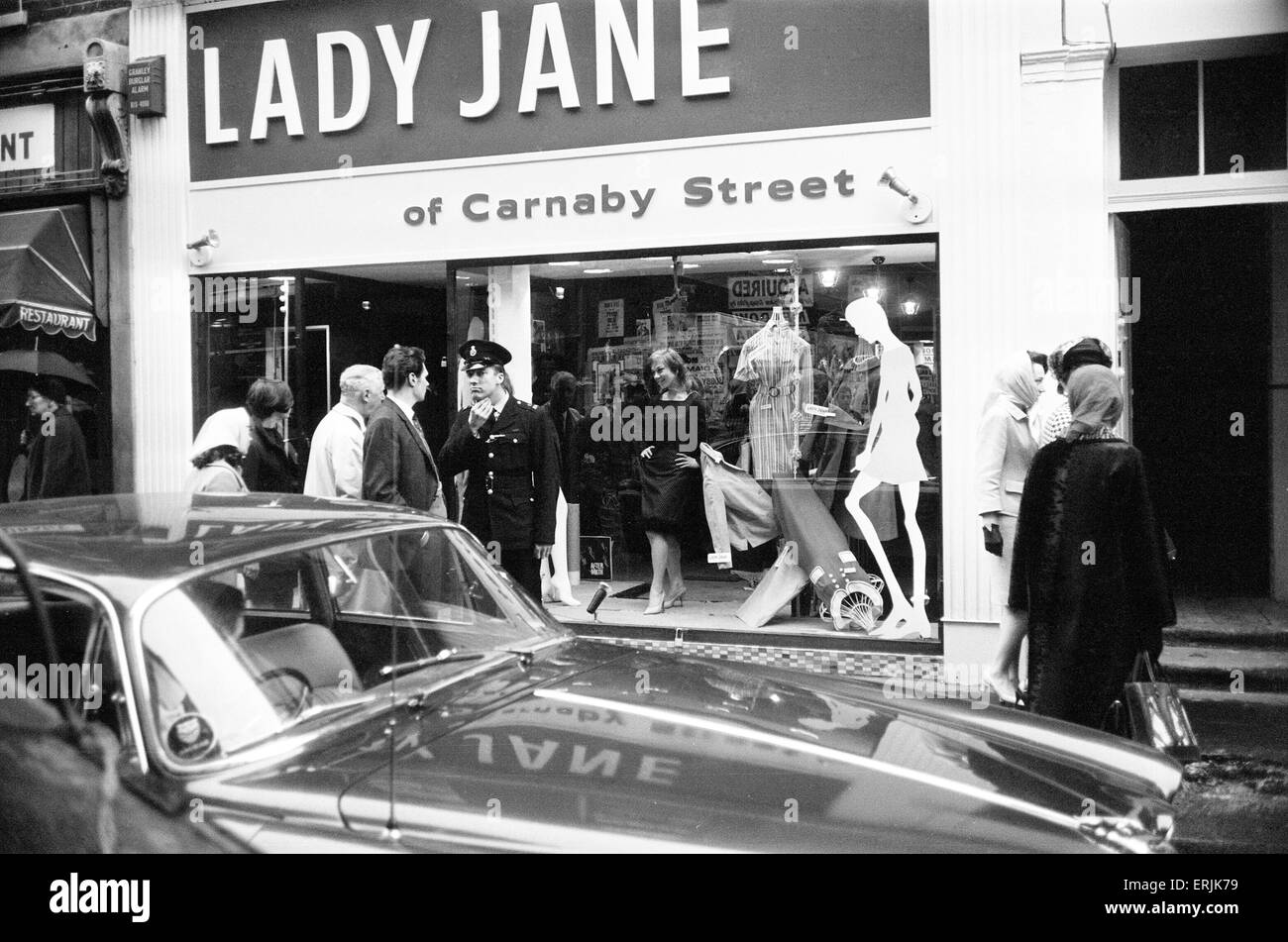 Lady Jane Boutique,  Carnaby Street, London, 11th May 1966. Police intervened after live models were used as mannequins - Stock Image