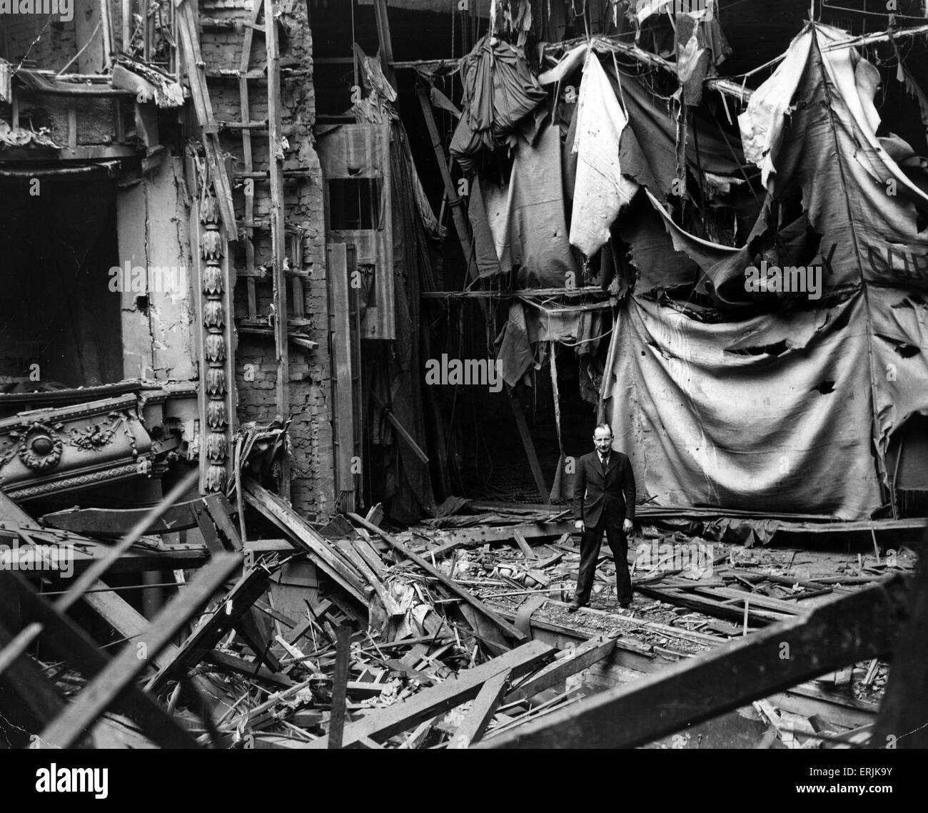 World War Two Air Raids, Birmingham,  Bomb damage at the Empire Theatre. Circa 1940. - Stock Image