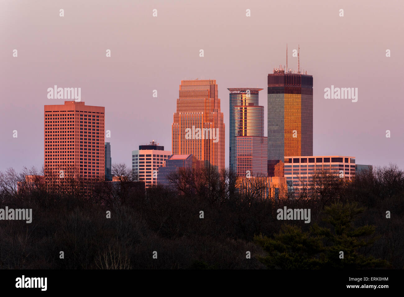 Skyline of the city of Minneapolis at dusk. - Stock Image