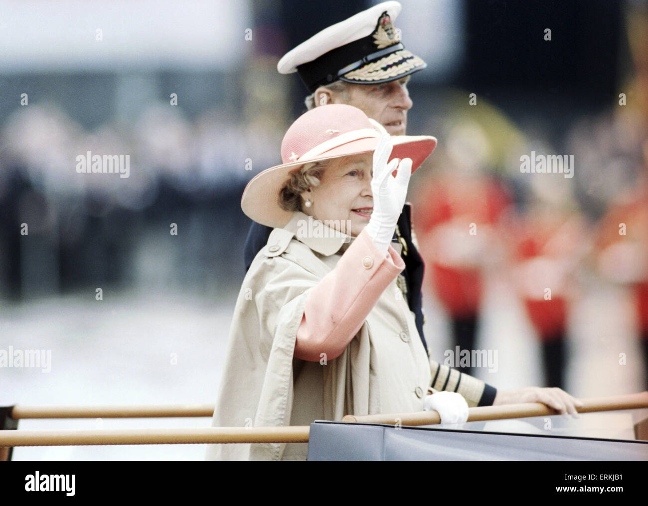 D Day 50th Anniversary, Omaha Beach, Normandy, France. 6th June 1994. Queen Elizabeth II & Prince Philip. - Stock Image