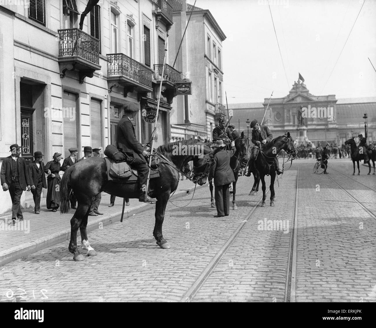 Civilian volunteers join Belgian lancers to stem the German army advance on Antwerp 22 August 1914 - Stock Image