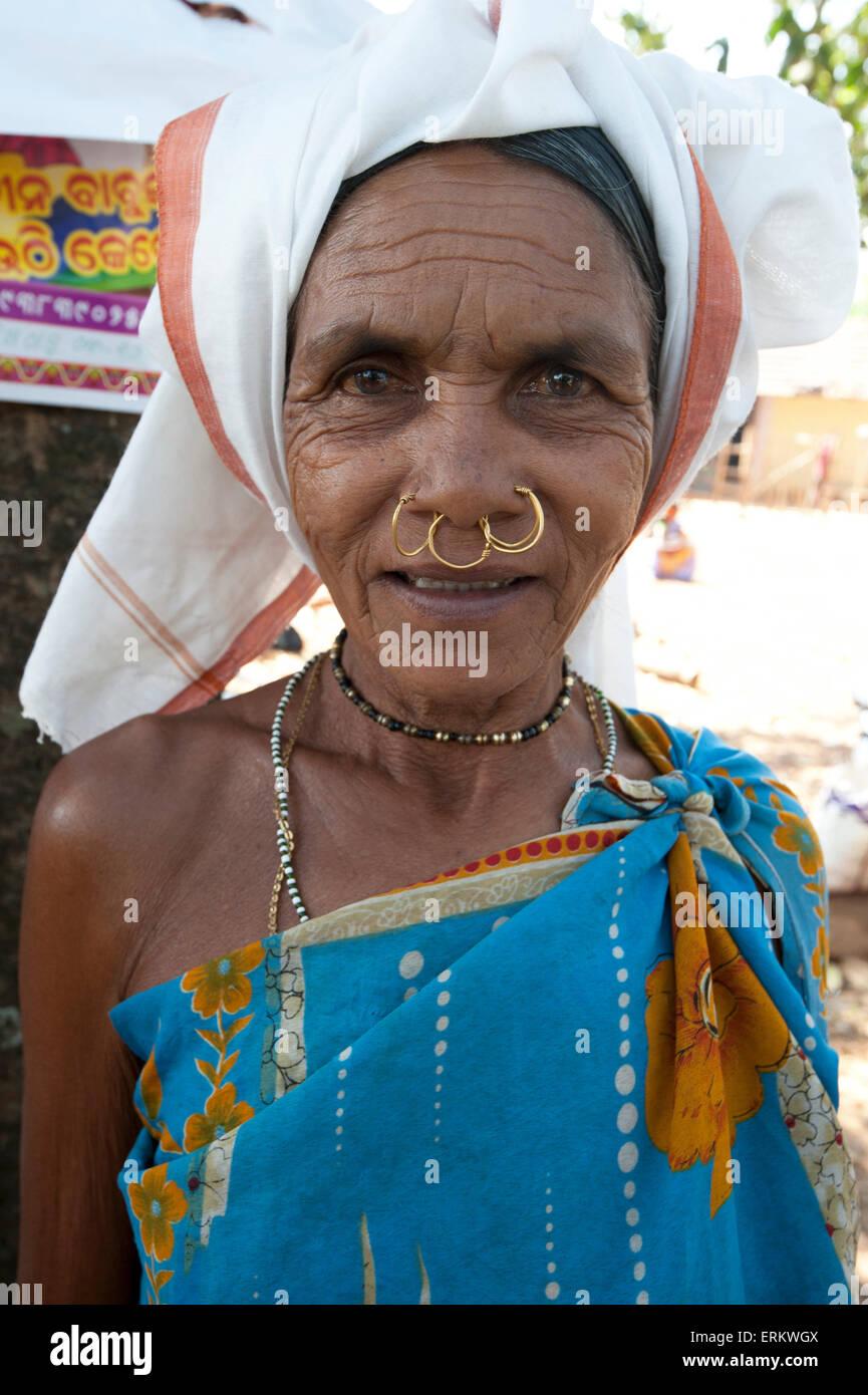 Mali tribeswoman with gold nose rings in Mali weekly tribal market, Guneipada, Koraput district, Orissa (Odisha), - Stock Image