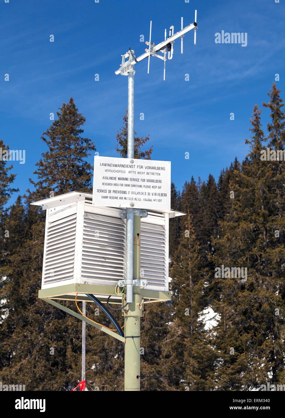 Advance avalanche warning station - Stock Image