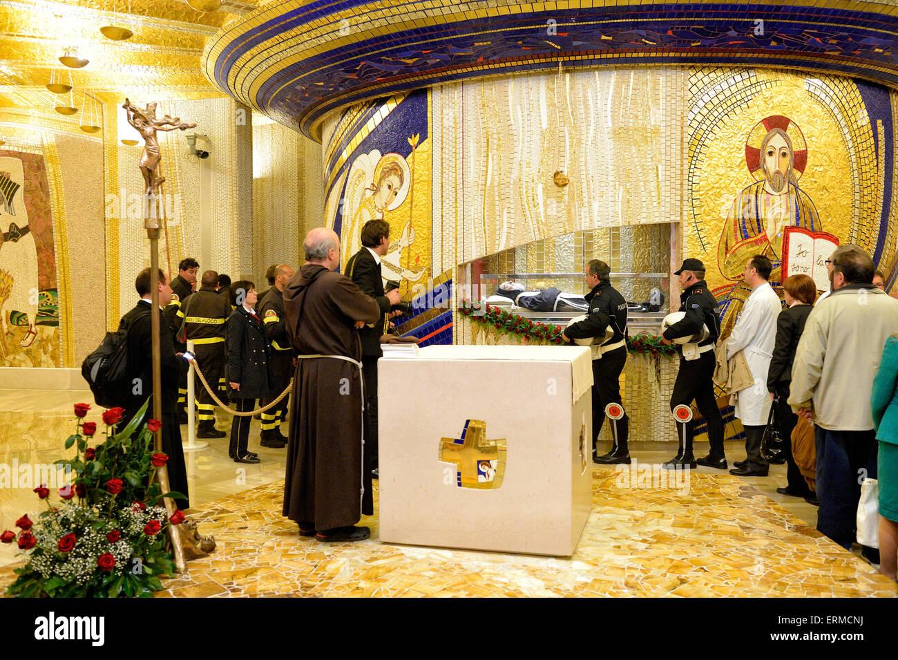 St Pio Stock Photos & St Pio Stock Images - Alamy