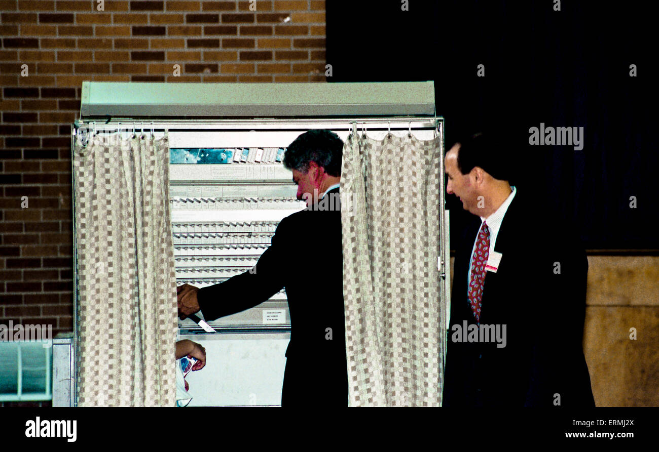 how to find voting booth