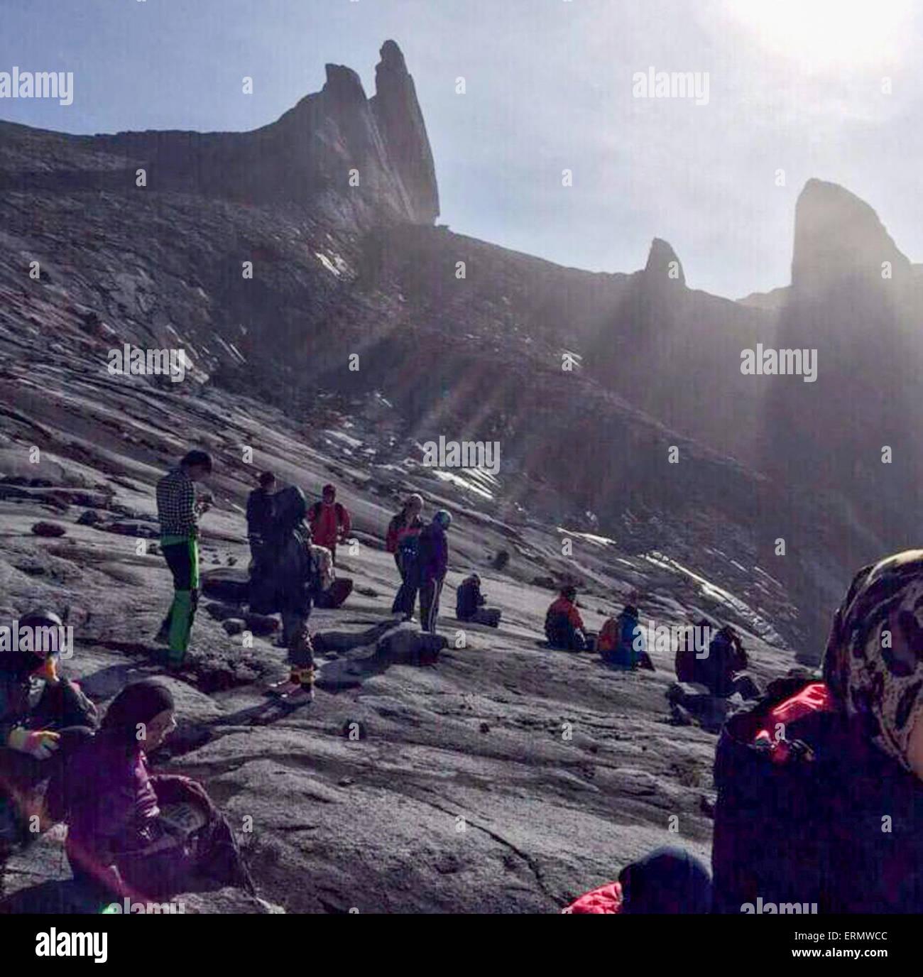 Gunung Kinabalu. 5th June, 2015. Hikers are trapped on the mountain of Gunung Kinabalu, Sabah state, Malaysia, June - Stock Image