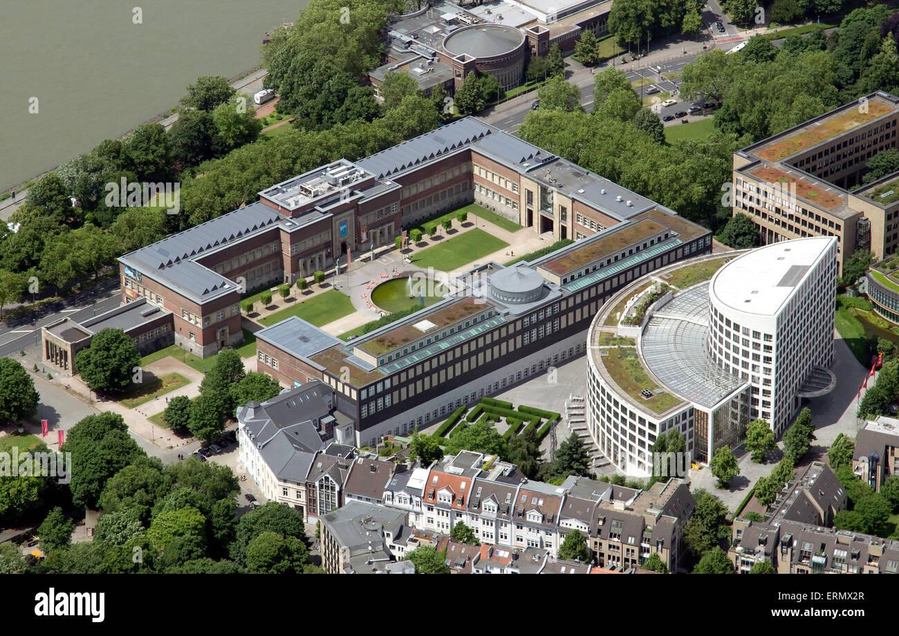 Ehrenhof complex with Kunst-Palast museum and NRW-Forum Kultur und Wirtschaft, built in 1926, EON Group Headquarters - Stock Image