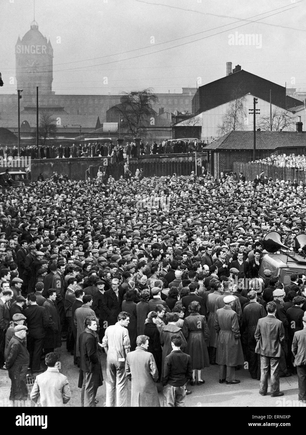 Mass meeting of workers at the Singer Manufacturing Company