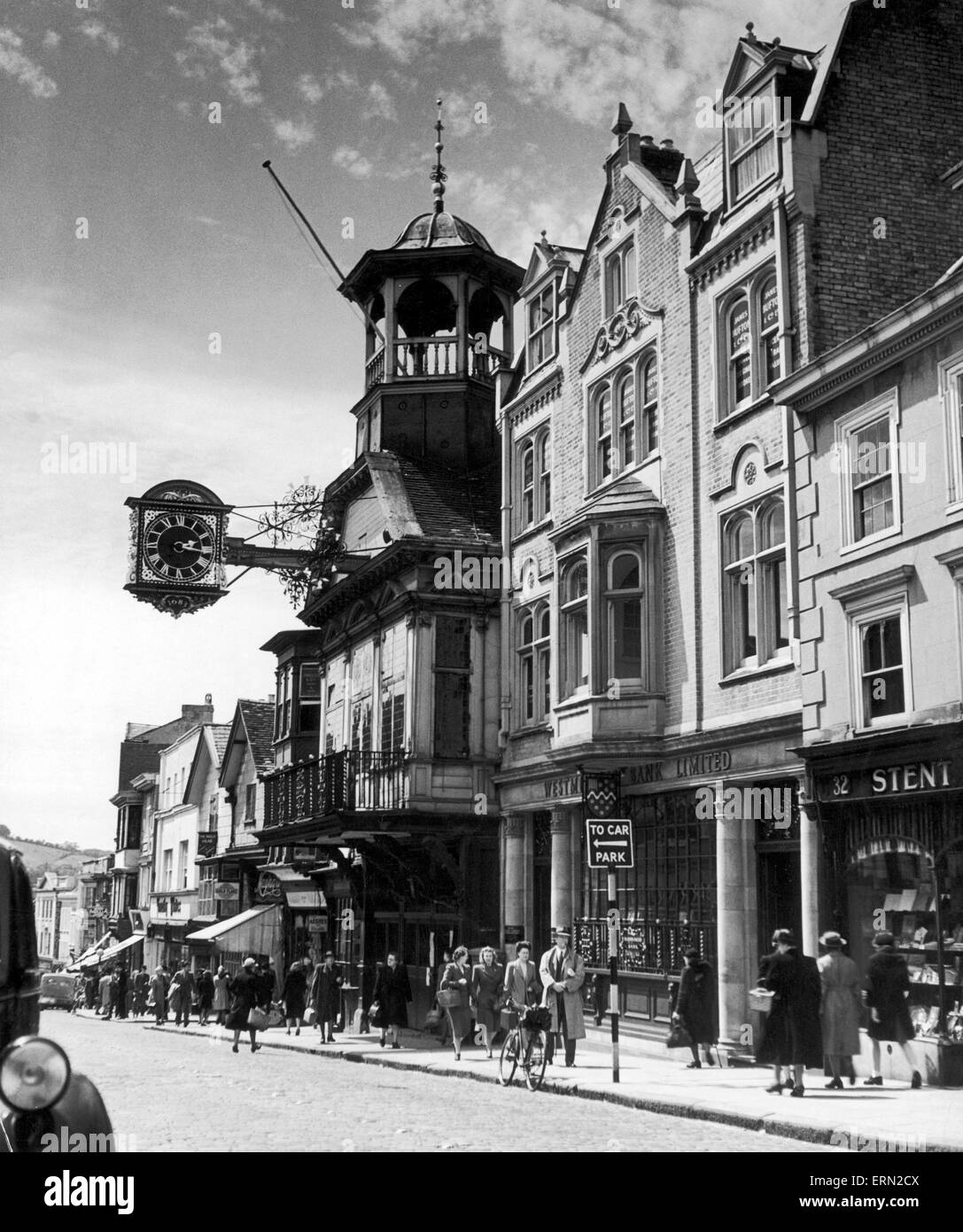 High Street and Guildhall, Guildford, Surrey, circa 1950 - Stock Image