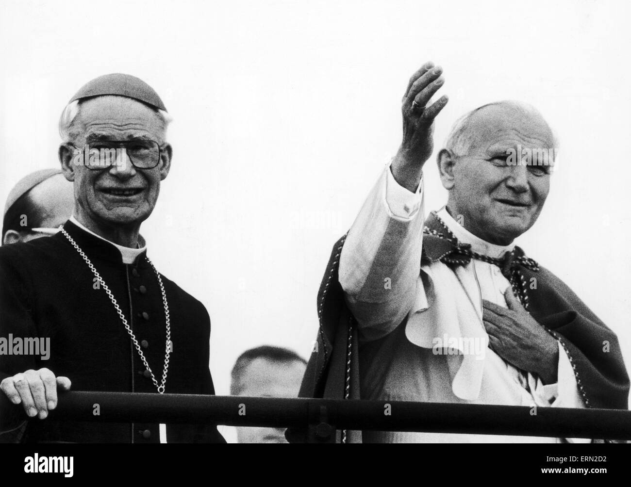 Pope John Paul II accompanied by Bishop, blesses congregation at Mass, Heaton Park, Manchester, Monday 31st  May - Stock Image