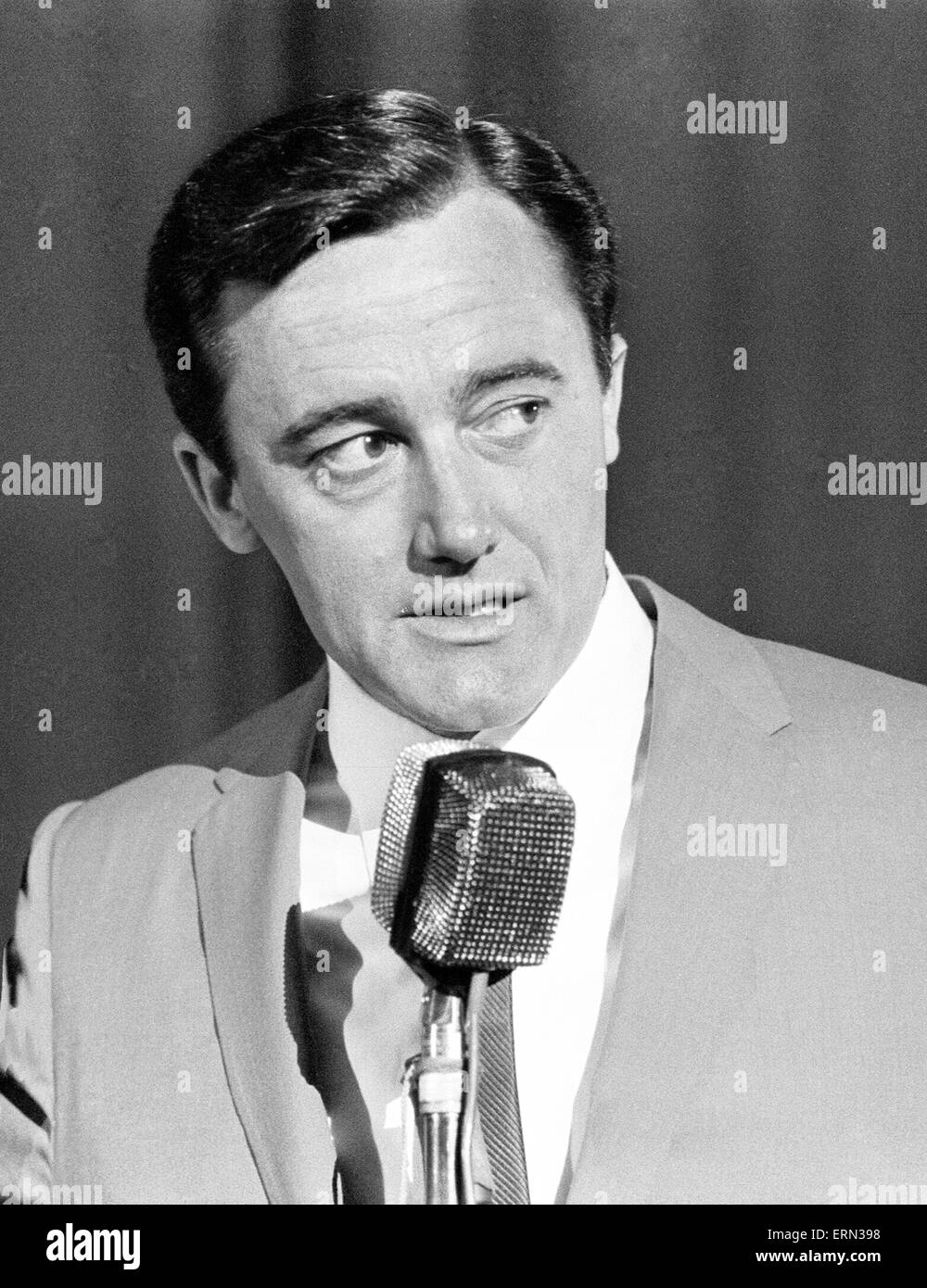 Robert Vaughn, actor who plays the role of secret agent Napoleon Solo in NBC show The Man from U.N.C.L.E., pictured - Stock Image
