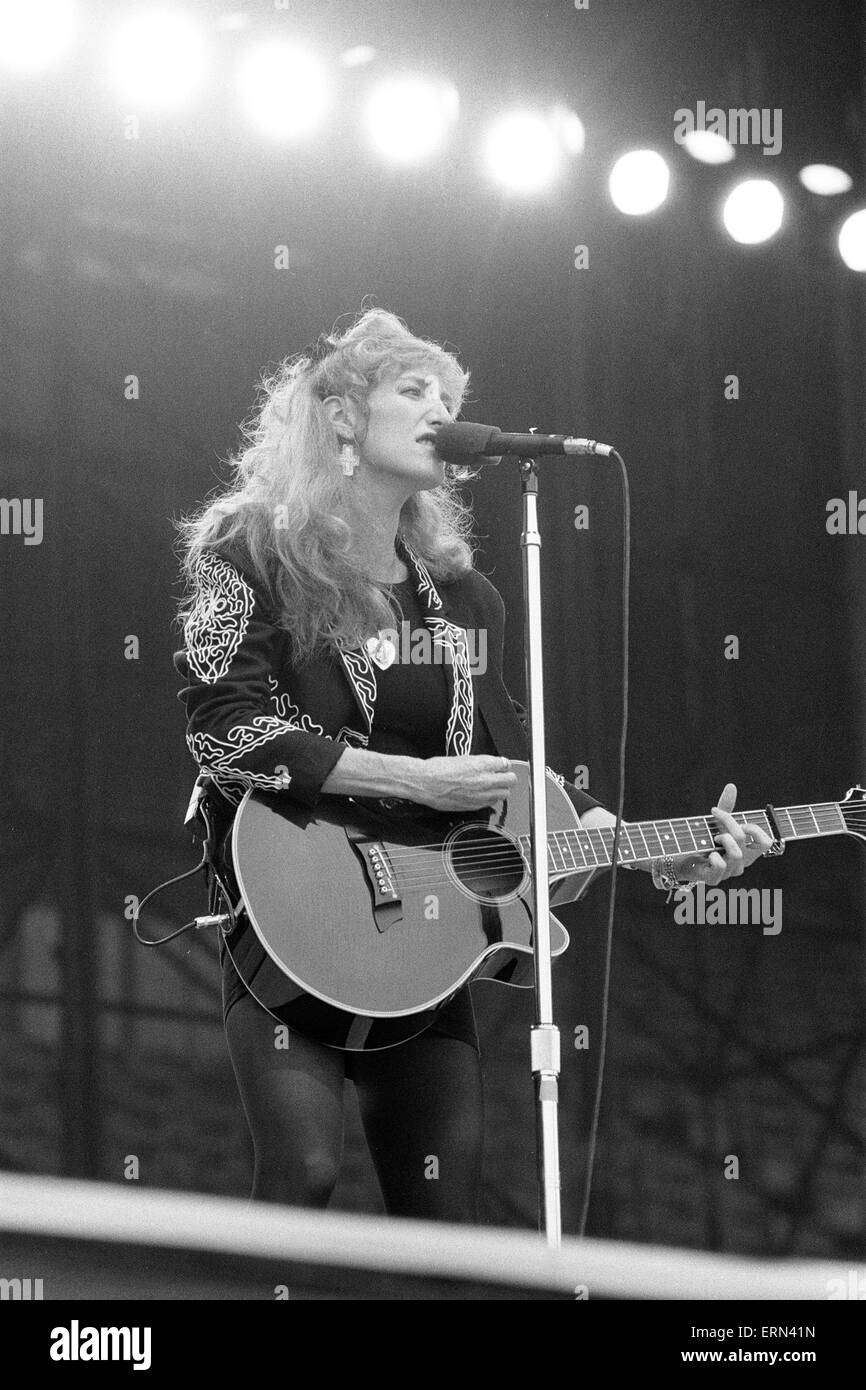 Patti Scialfa, member of Bruce Springsteen's E Street Band, in  Concert, Villa Park, Birmingham, Tuesday 21st - Stock Image