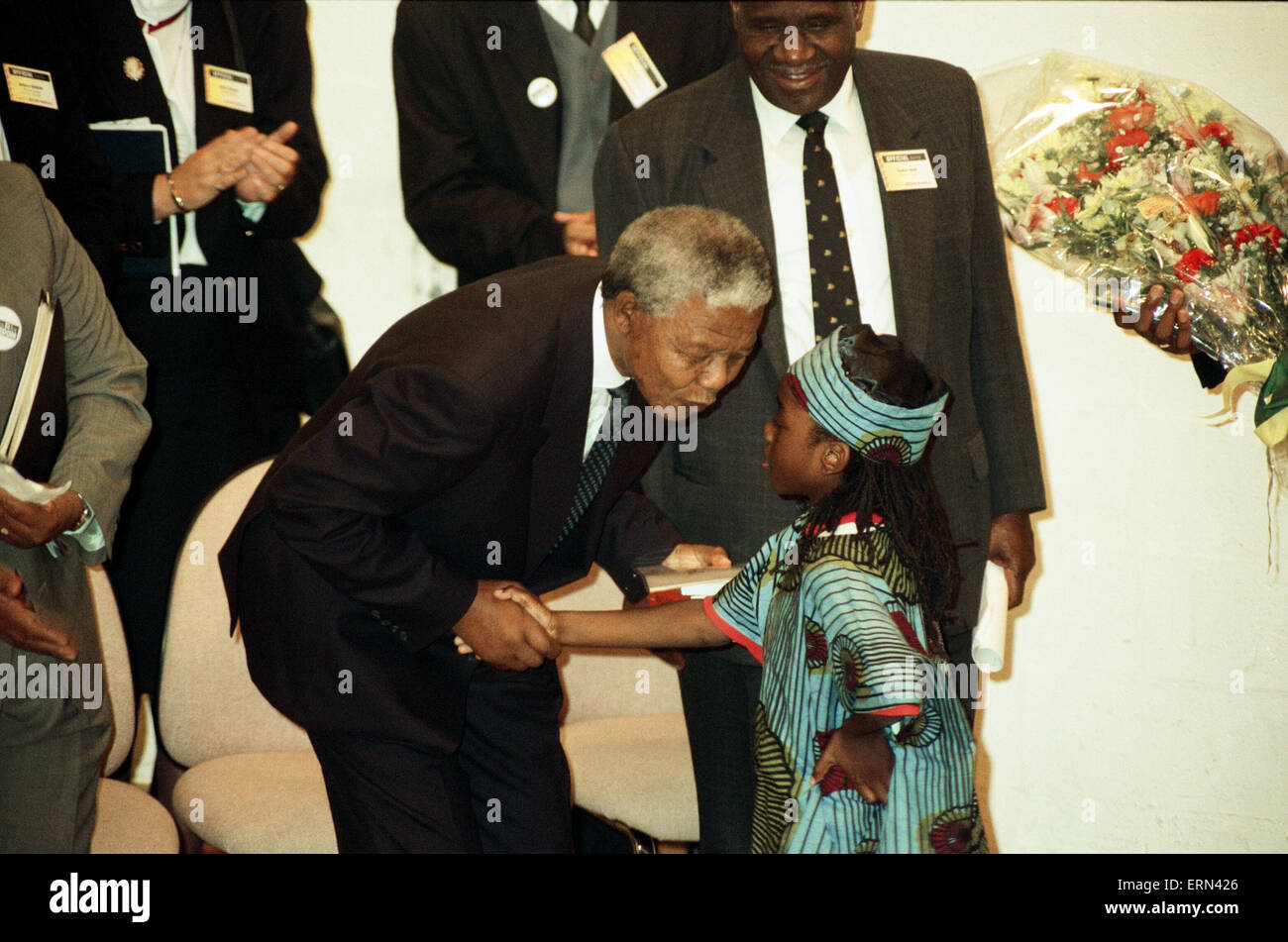 Nelson Mandela at the Hansdworth Leisure Centre in Handsworth, Birmingham, 11th October 1993. - Stock Image