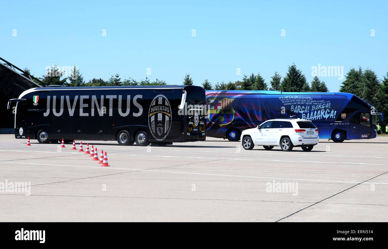 berlin germany 05th june 2015 handout the bus of juventus turin stock photo alamy https www alamy com stock photo berlin germany 05th june 2015 handout the bus of juventus turin l 83443504 html