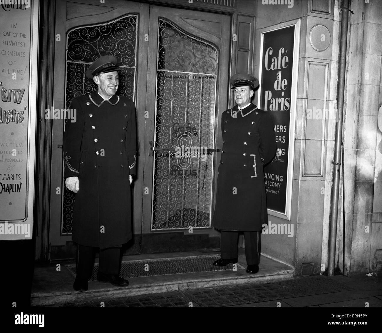 Entrance to Cafe de Paris, 16th November 1950. - Stock Image