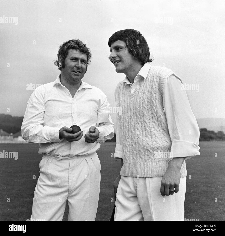 Cricketers Geoffrey Williams and Allan Geoghegan at the Ynysygerwn cricket club, Aberdulais, Neath in Glamorganshire. - Stock Image