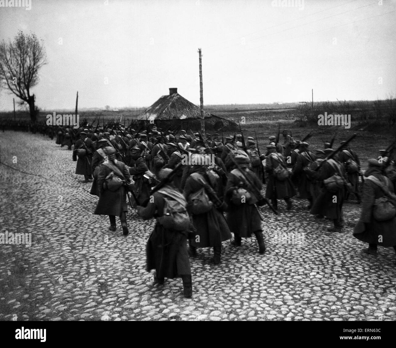 Russian infantry on the march in Poland DM 1233 Box 3 Russian infantry in Poland, making the long march to battle - Stock Image