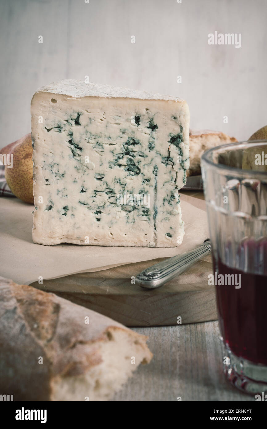 bleu d auvergne a french blue cheese originating in the auvergne