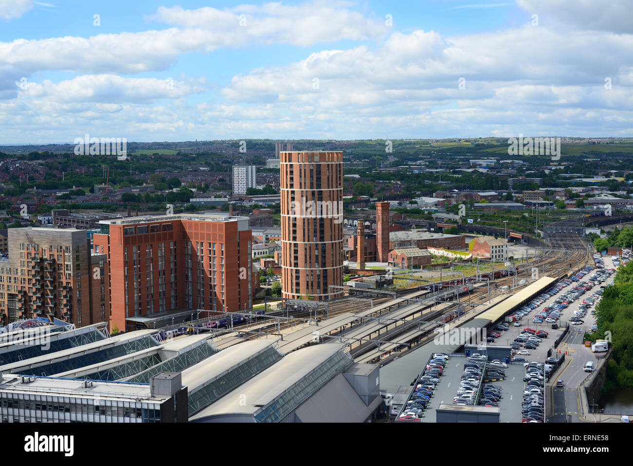 high angle view of leeds city station and granary wharf building yorkshire united kingdom - Stock Image