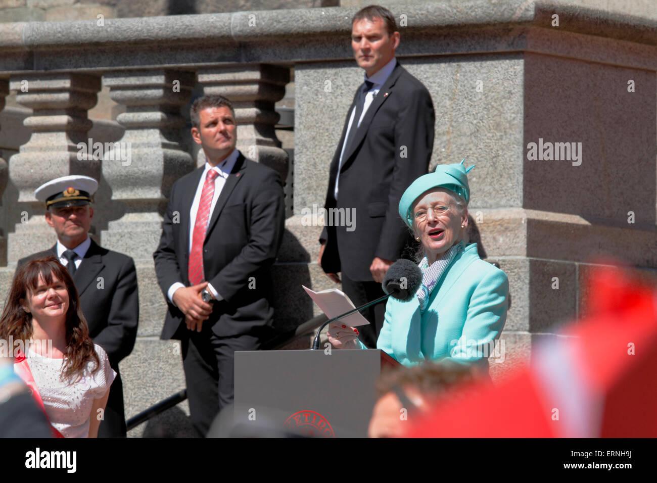 Copenhagen, Denmark, 5th June, 2015. H.M. Queen Margrethe II of Denmark speaks in the Christiansborg Palace yard - Stock Image