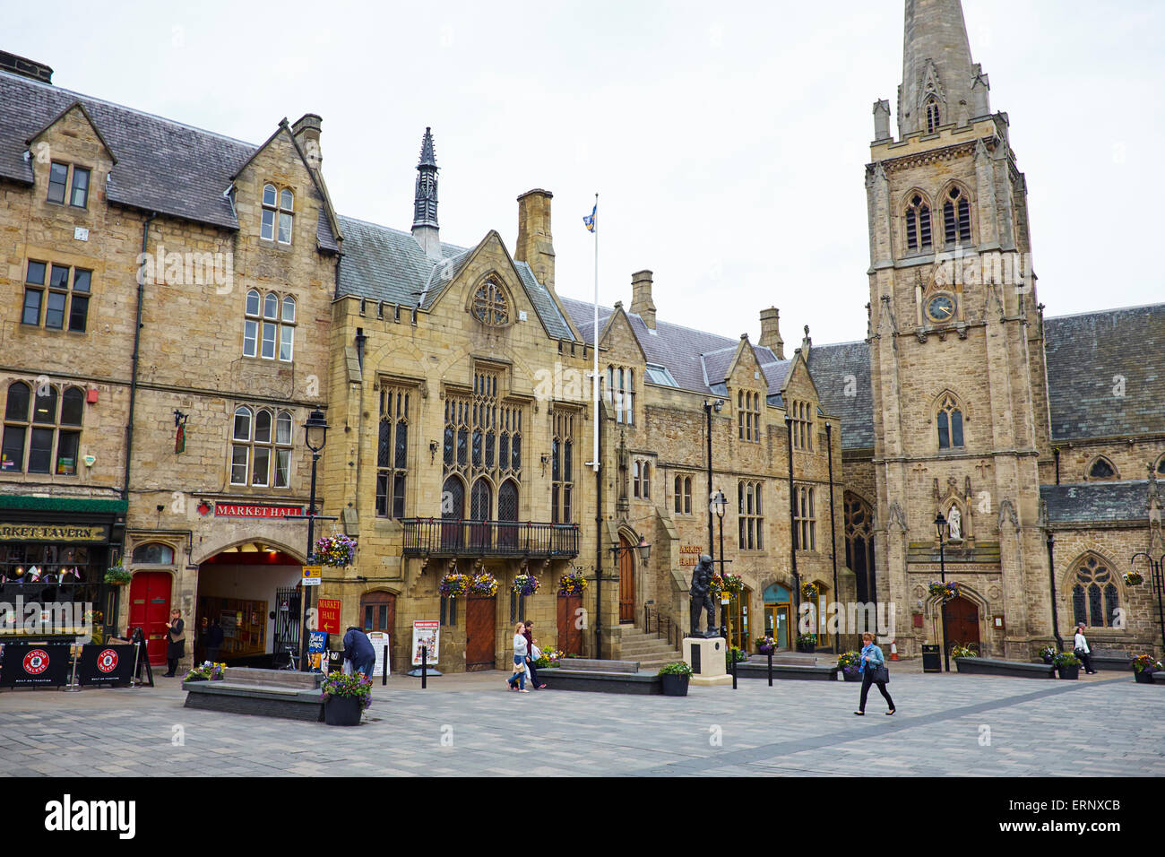 St Nicholas Church And The Town Hall Market Place Durham Uk Stock