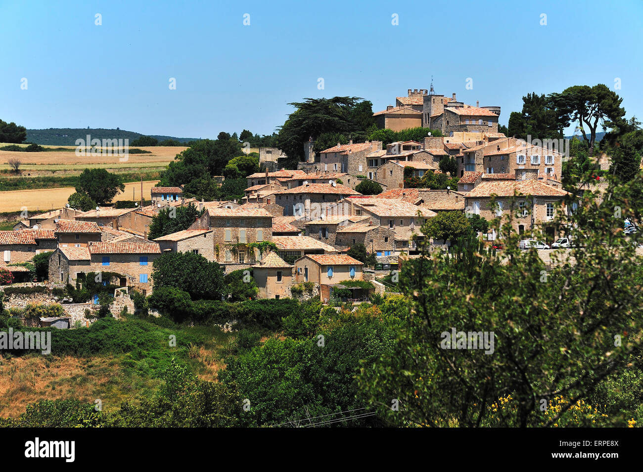 Murs, picturesquely situated on a hill, Vaucluse, Provence - Stock Image