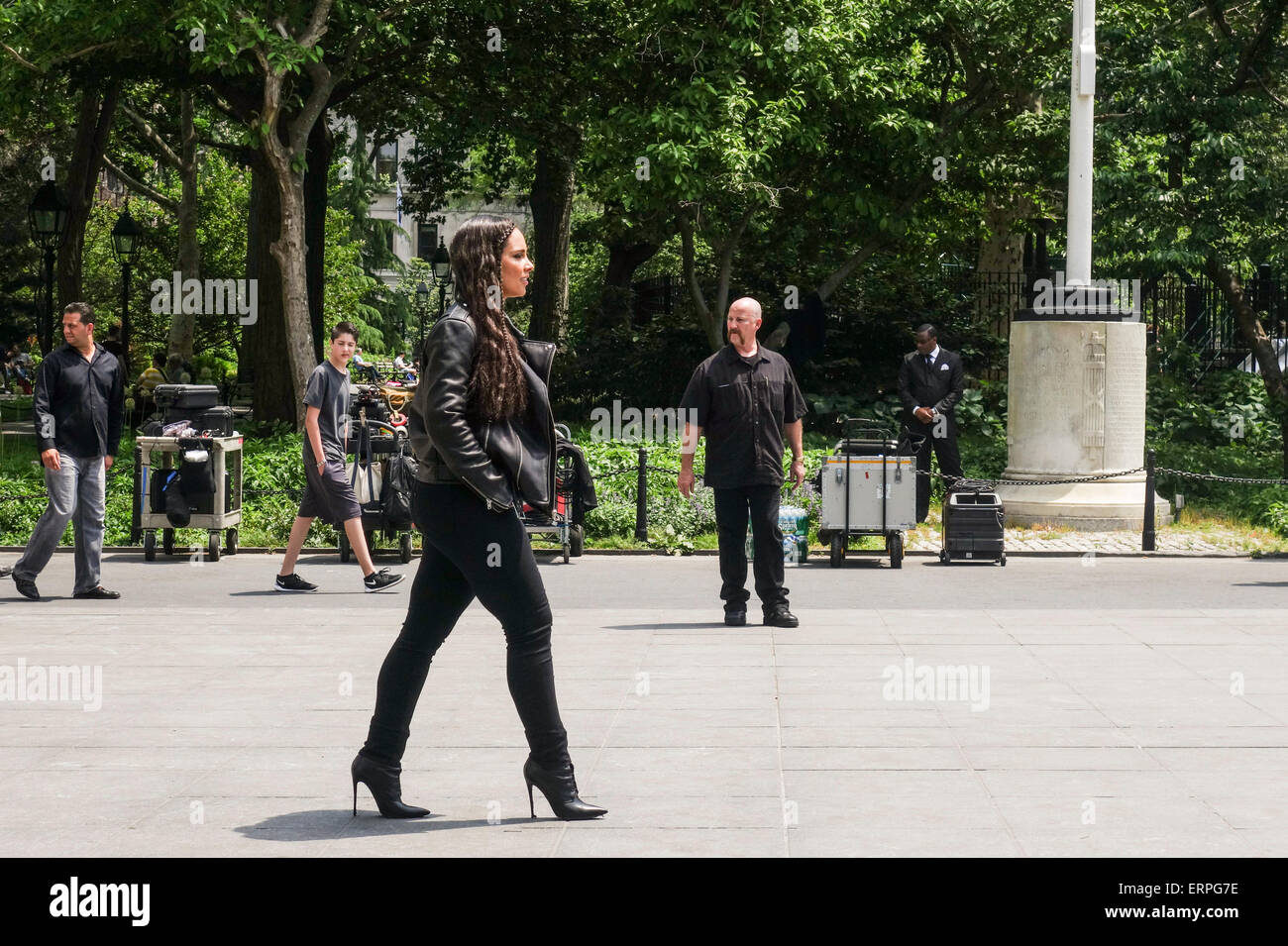 28 May 2015, Alicia Keys shows up to shoot a commercial, advertisement, in Washington Park, New York, USA - Stock Image