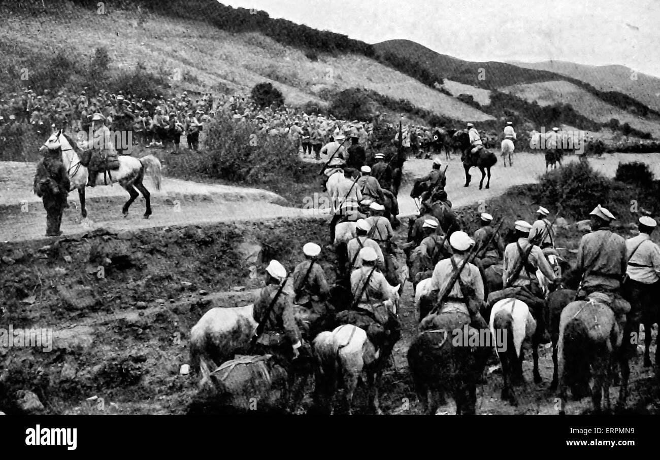 Russian Troops massing before a fight on the heights - Russo - Japanese War - Stock Image