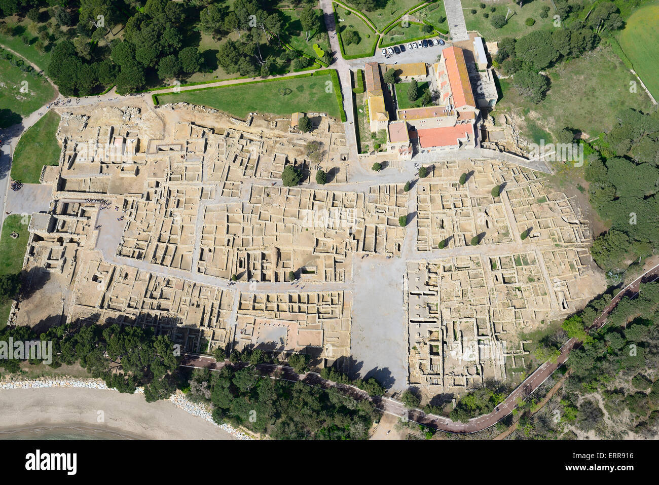 ANCIENT GREEK CITY (aerial view). Empuries, L'Escala, Costa Brava, Catalonia, Spain. - Stock Image