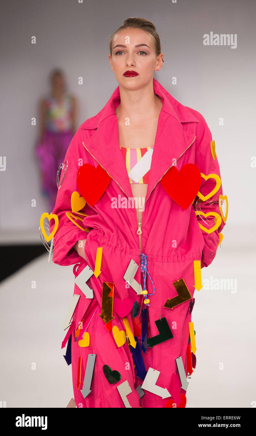 31 05 2015 London Uk Collection By Danielle Spencer Fashion Show Stock Photo Alamy