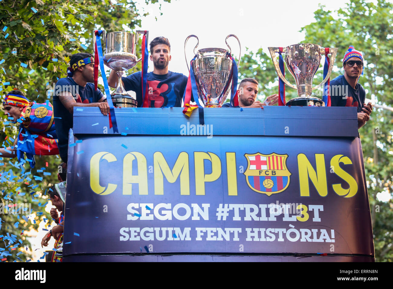 barcelona spain 7th june 2015 fc barcelona s players on a bus stock photo alamy https www alamy com stock photo barcelona spain 7th june 2015 fc barcelonas players on a bus celebrate 83500165 html