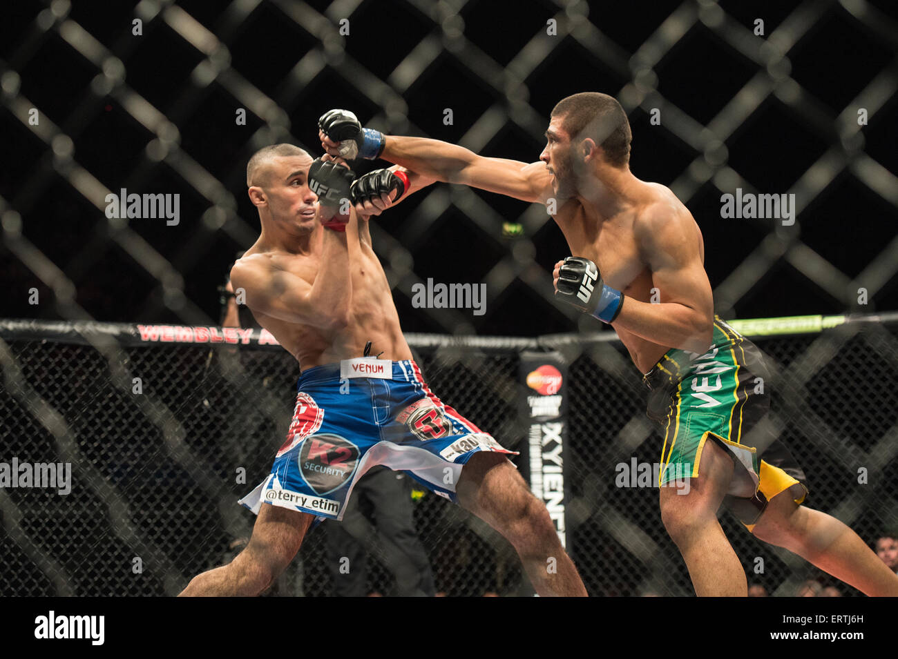 Terry Etim vs Renee Forte  UFC Ultimate Fighting Championship Wembley Arena London England Fight brawl macho damage - Stock Image
