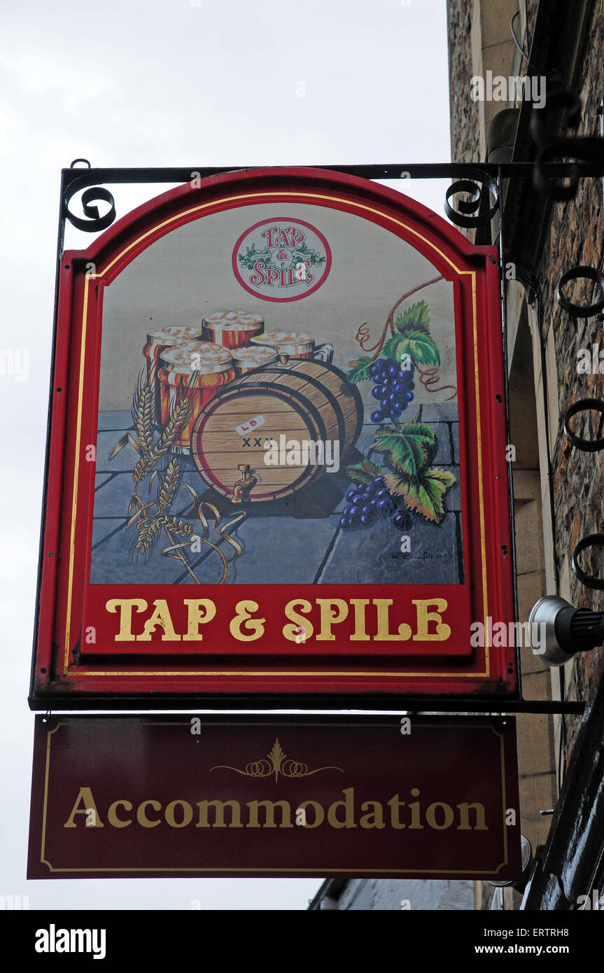 Sign fo r the Tap and Spile public house, Hexham, Northumberland. - Stock Image